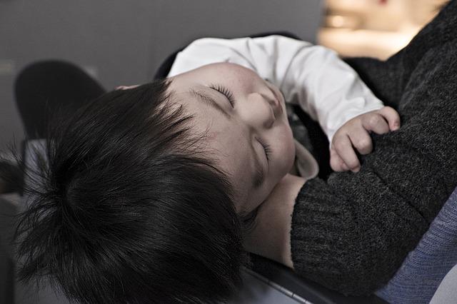 子ども,赤ちゃん,中耳炎,飛行機,キャンセル
