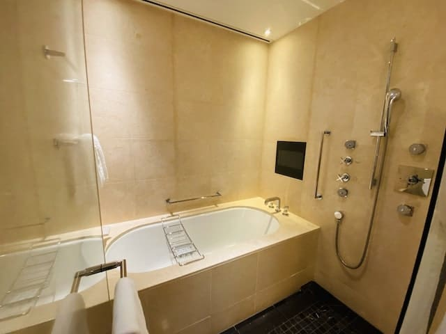 セントレジスホテル大阪の浴室