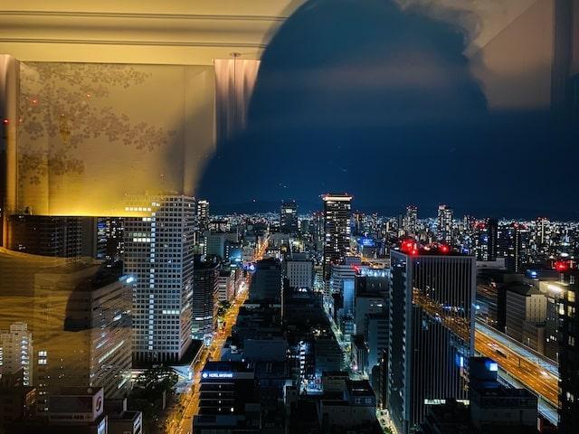 セントレジスホテル大阪の窓の風景