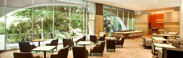 ザプリンス京都宝ヶ池オートグラフコレクションホテルのクラブラウンジ全体風景