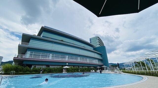 琵琶湖ホテルの屋外プール
