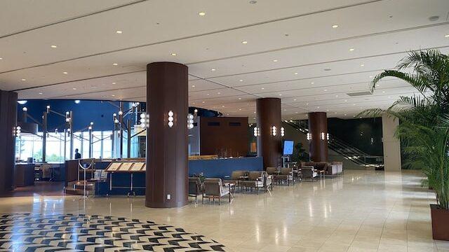 琵琶湖ホテルのロビー風景2
