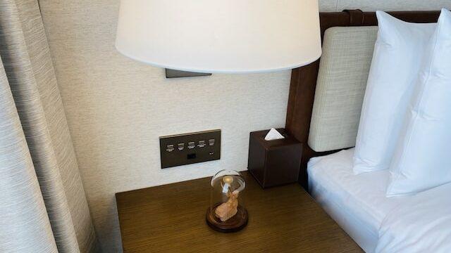 JWマリオットホテル奈良のサイドテーブルの鹿の置物