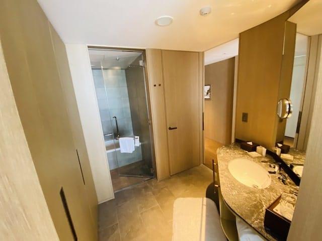 JWマリオットホテル奈良のバスルーム全体