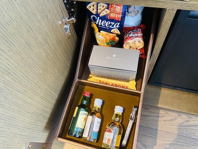 JWマリオットホテル奈良のミニバースナック菓子